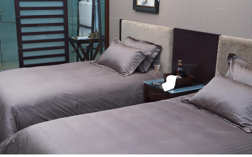 有色条纹酒店床品