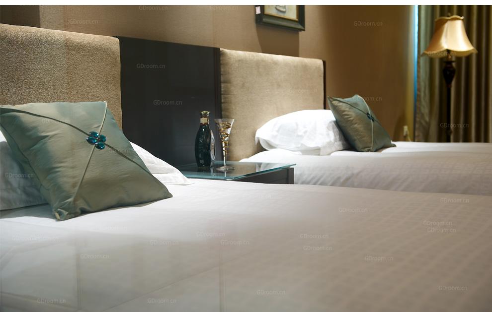 回字格60S纯棉客房床品套件